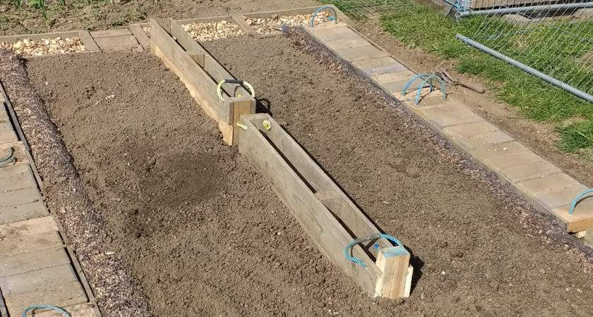 Allotment Ideas Designs Upcycling Skipped Construction