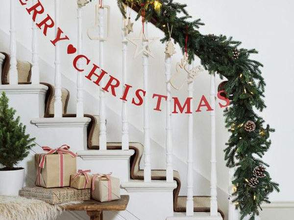 Amazing Christmas Staircase Banister Ornaments