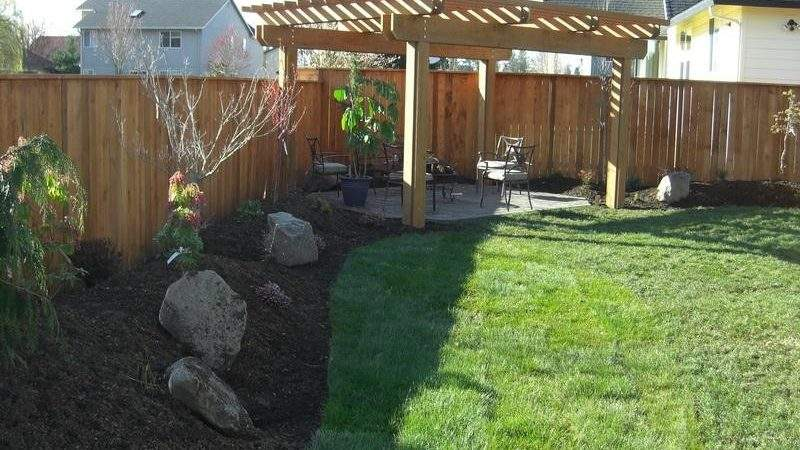 Bloombety Backyard Landscaping Pergola