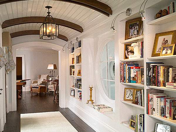 Can Dress Narrow Spaces Using Hallway Runners