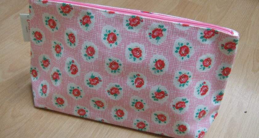 Cath Kidston Oilcloth Large Toiletry Wash Bag Pink Lattice