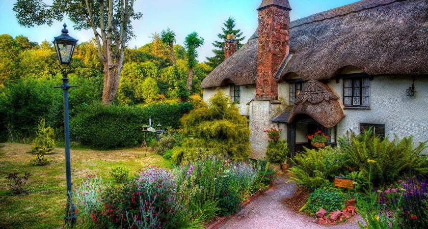 Choose Plants Perfect Cottage Garden
