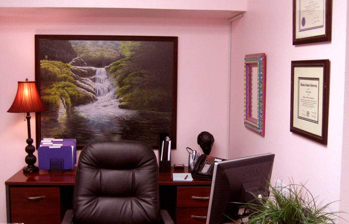 Choosing Best Color Your Office Room Interior