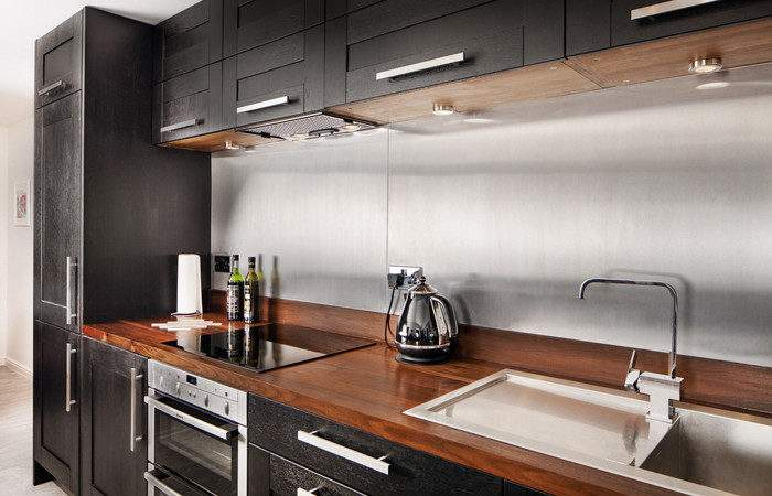 Choosing Upstands Splashbacks Accompany Solid