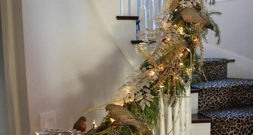 Christmas Staircase Ideas Decorating