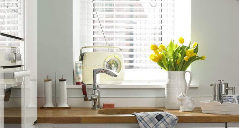 Clean Venetian Blinds They Look Ship Shape