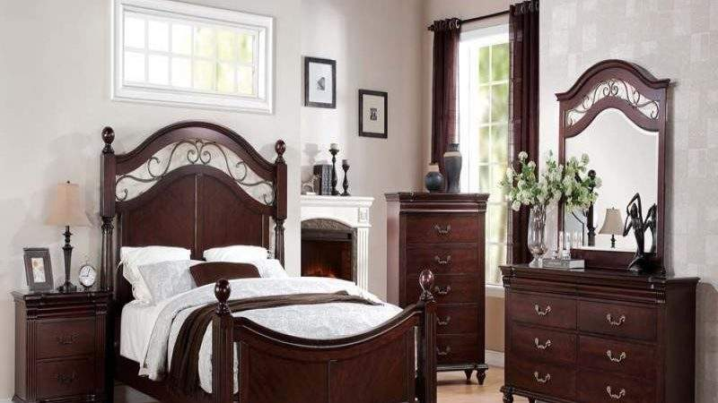 Cleveland Cherry Formal Traditional Antique Queen Bed Pcs