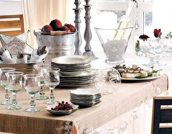Contemporary Christmas Table Decorations Iroonie