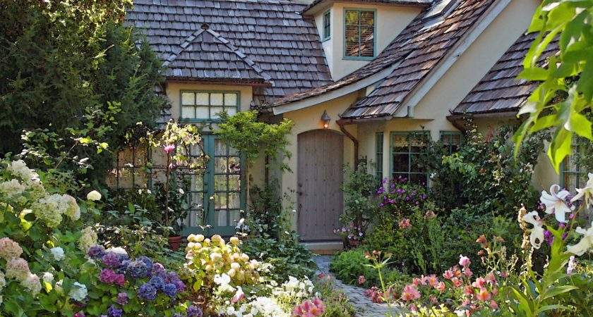 Cottage Garden Casanova Once Upon Time