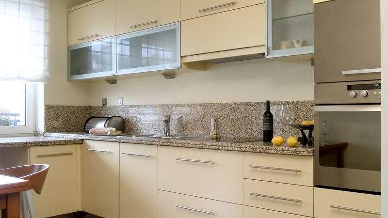 Cream Kitchens Decorating Ideas