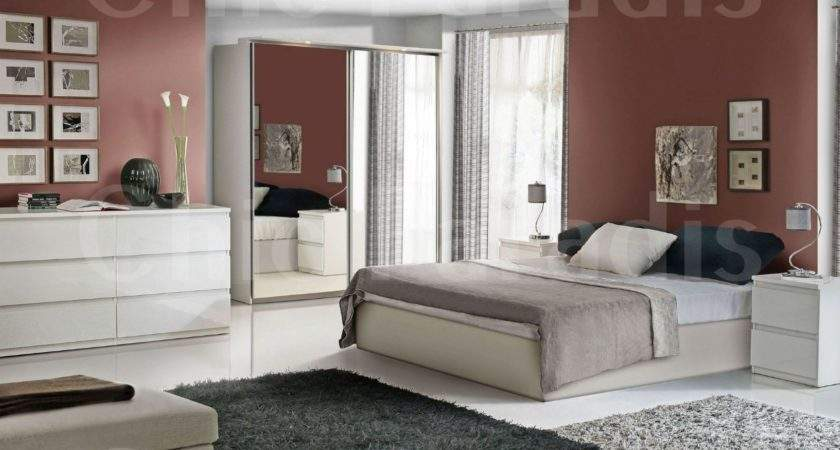 Create Exotic Look Your Bedroom High Gloss