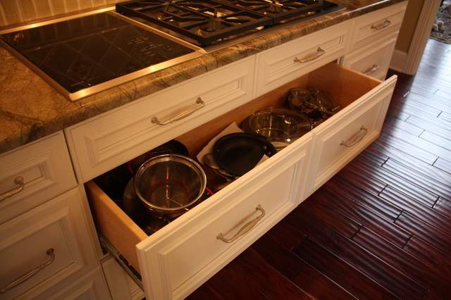 Deep Pan Drawer Traditional Kitchen Cleveland