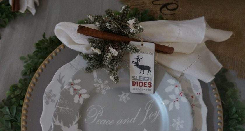 Easy Christmas Dining Room Table Setting Silvers