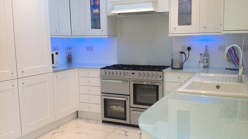 Easy Maintaining Glass Worktops Splashbacks
