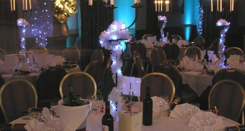 Elegant Christmas Party Table Decorations Ideas