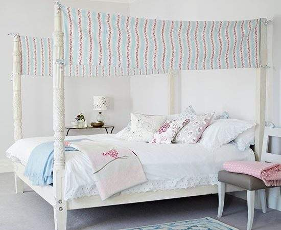 Four Poster Bed Pretty Fabric Panels White Bedroom