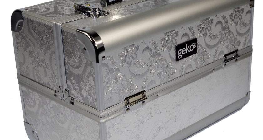Geko Products Vanity Case Makeup Box Silver Reviews