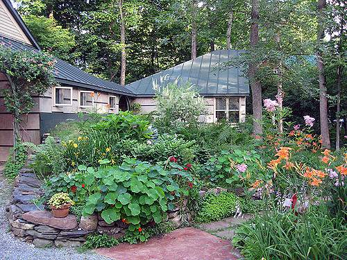 House Front Flower Beds Flickr Sharing