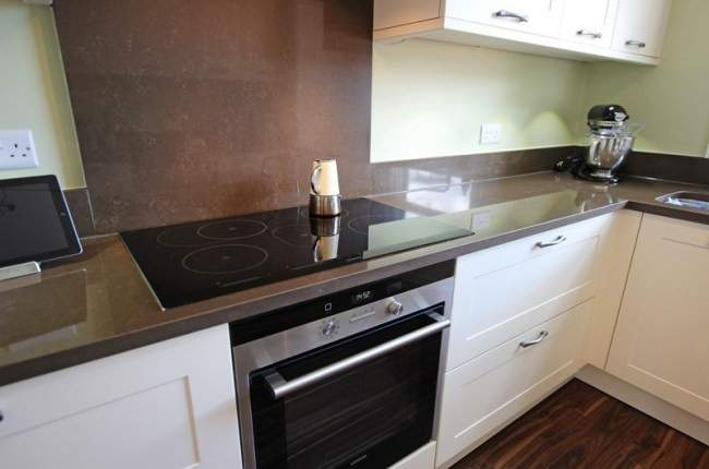 Kitchen Upstands Quartz Splashbacks