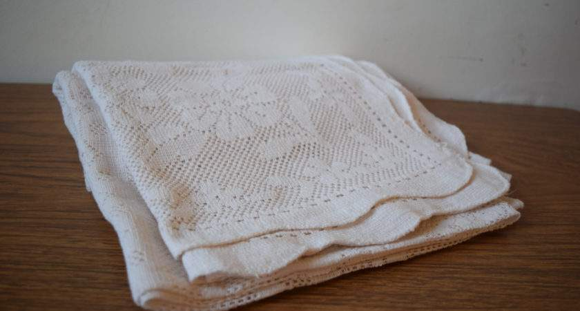 Lace Tablecloth Vintage Irish Machine Table