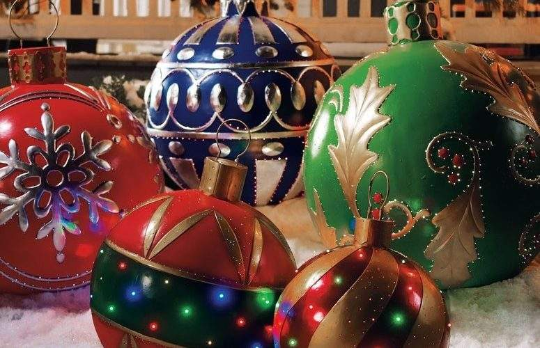Large Outdoor Christmas Decorations Victoria