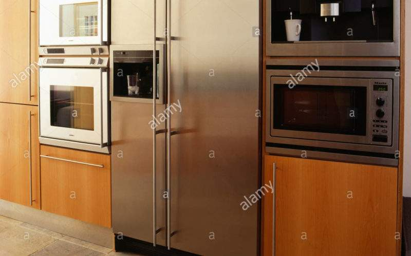 Large Stainless Steel American Style Fridge Freezer