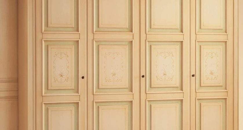 Luxurious Wardrobe Antique Lacquer Finish Matching