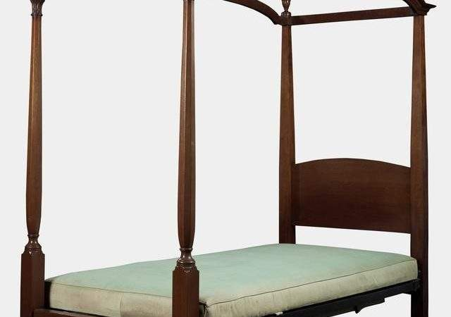 Mahogany Four Poster Single Bed Sale Stdibs