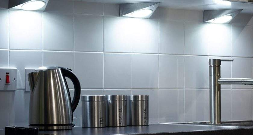Mains Led Under Cabinet Triangle Light