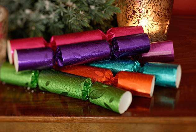 Make Your Own Christmas Crackers Country Life