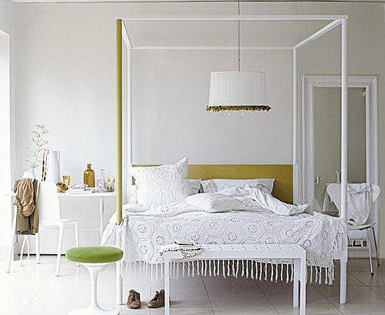 Mix Chic Contemporary Gorgeous Four Poster Bed