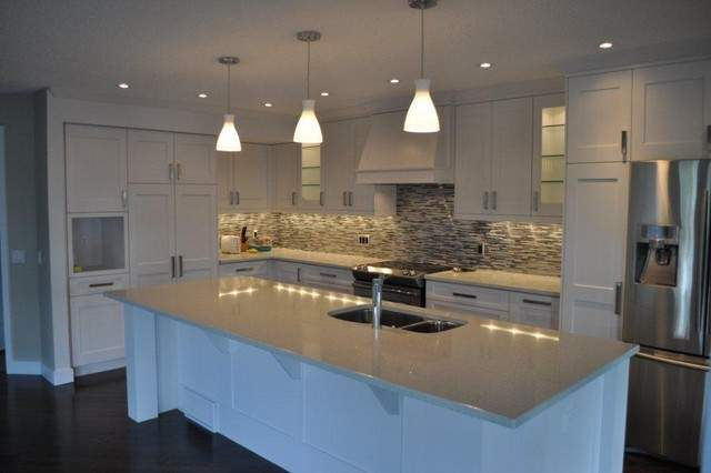 Modern White Shaker Kitchen Calgary