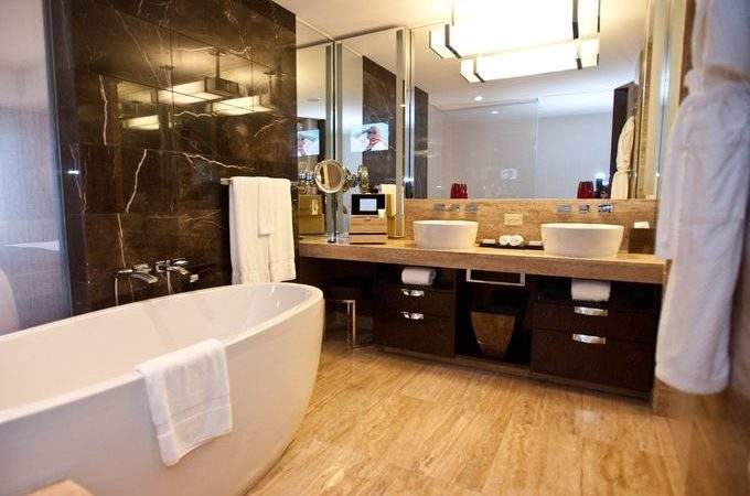 Most Luxurious Hotel Bathrooms Vegas