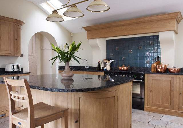 Neptune Henley Kitchen Traditional South