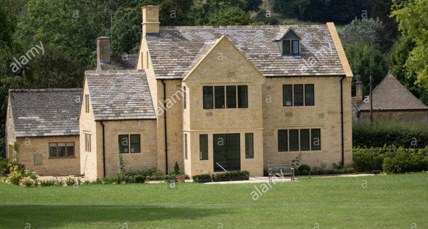 Newly Built Traditional Cotswold Stone House Broadway