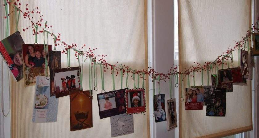 Party Style Garland Christmas Card Display