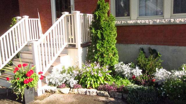 Planters Flower Beds Front House Flickr