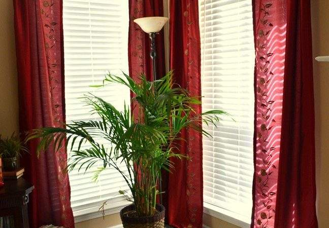 Put Awesome Red Curtain Beautify Your Living Room