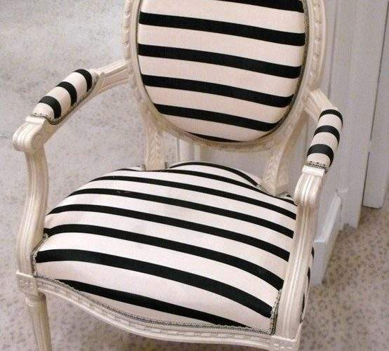 Quick Tips Using Striped Furniture