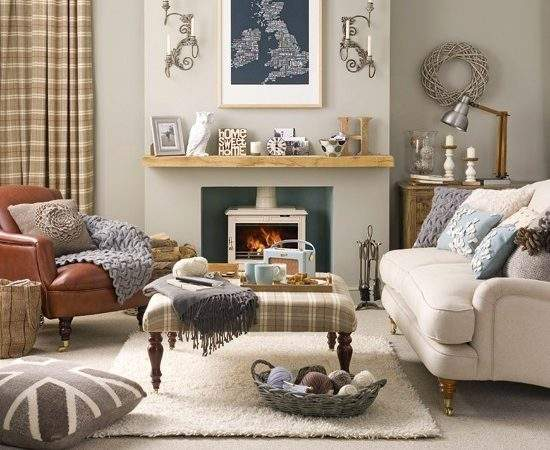 Relaxed Country Living Room Designs