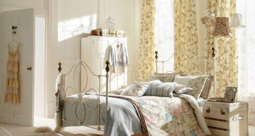 Shabby Chic Bedroom Decorating Ideas Iron Bed Frame