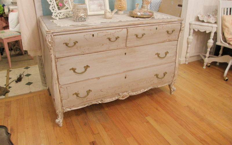 Shabby Chic Painting Technique