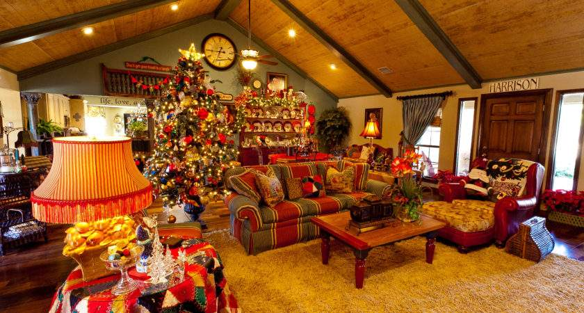 Show Country French Home Dressed Christmas