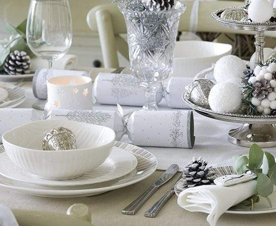 Simple Silver White Christmas Table Setting Budget
