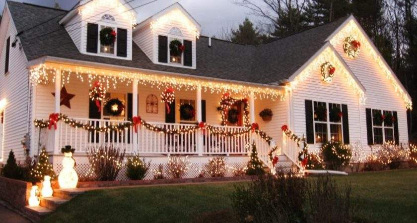 Stunning Outdoor Christmas Displays Hgtv