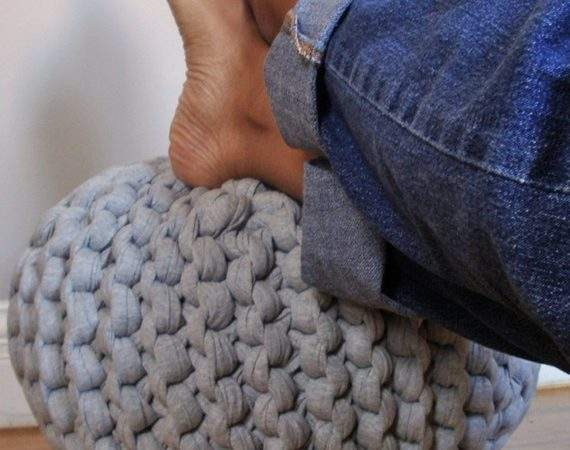 Super Chunky Knit Pouf Heather Gray Small