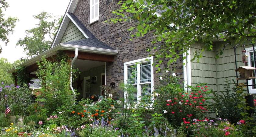 Surprising Flower Bed Ideas Front House Decorating