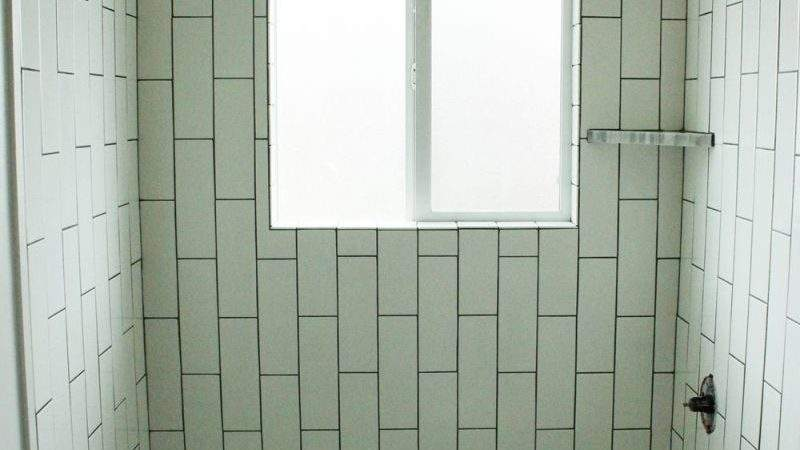 Tile Shower Tub Surround Part Laying