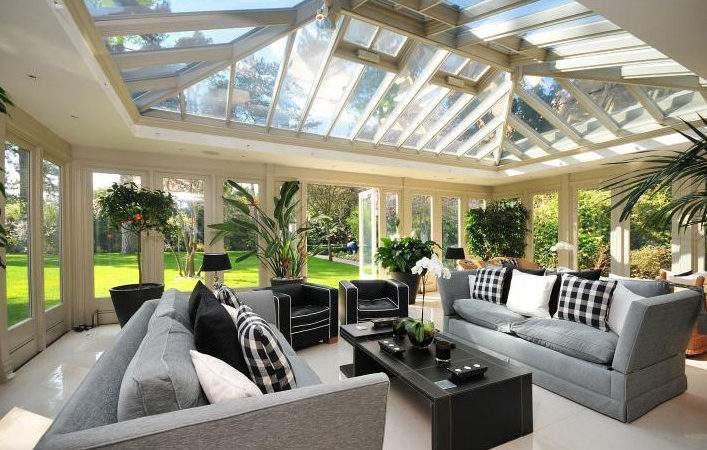 Tips Decorating Your Conservatory Chesterfield Sofa