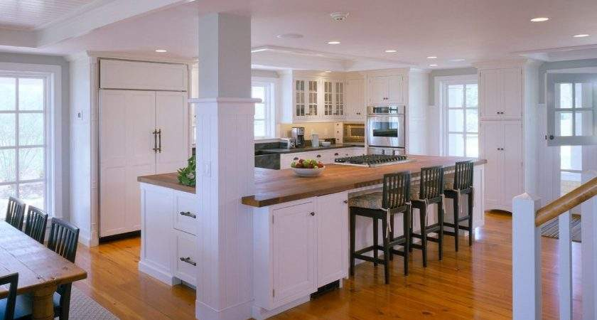 Traditional Shaped Island Kitchen